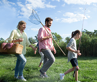 Image of a family going on a picnic. SPRYCEL® (dasatinib) is for the treatment of chronic myeloid leukemia (CML) in patients who are no longer benefitting from, or did not tolerate, other treatments